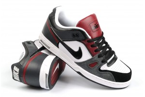 Nike 6.0 Zoom Oncore2 BlackRedDrkShw